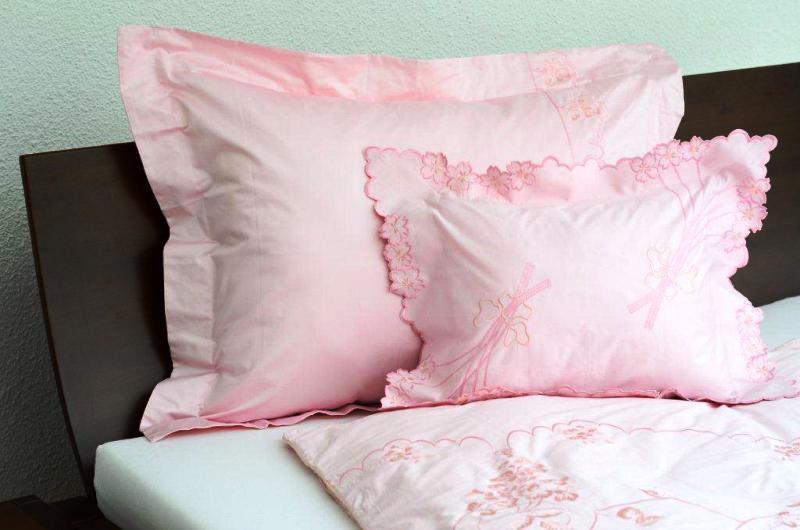 Pamut-szatén hímzett ágyneműhuzat - 3 részes HA ( 3 ) cakkos pink. 1db6c65d0e