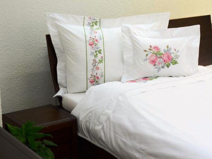 Pamut-szatén hímzett virágos ágyneműhuzat - 3 részes - NOVETEX matrac a5f6f2c031
